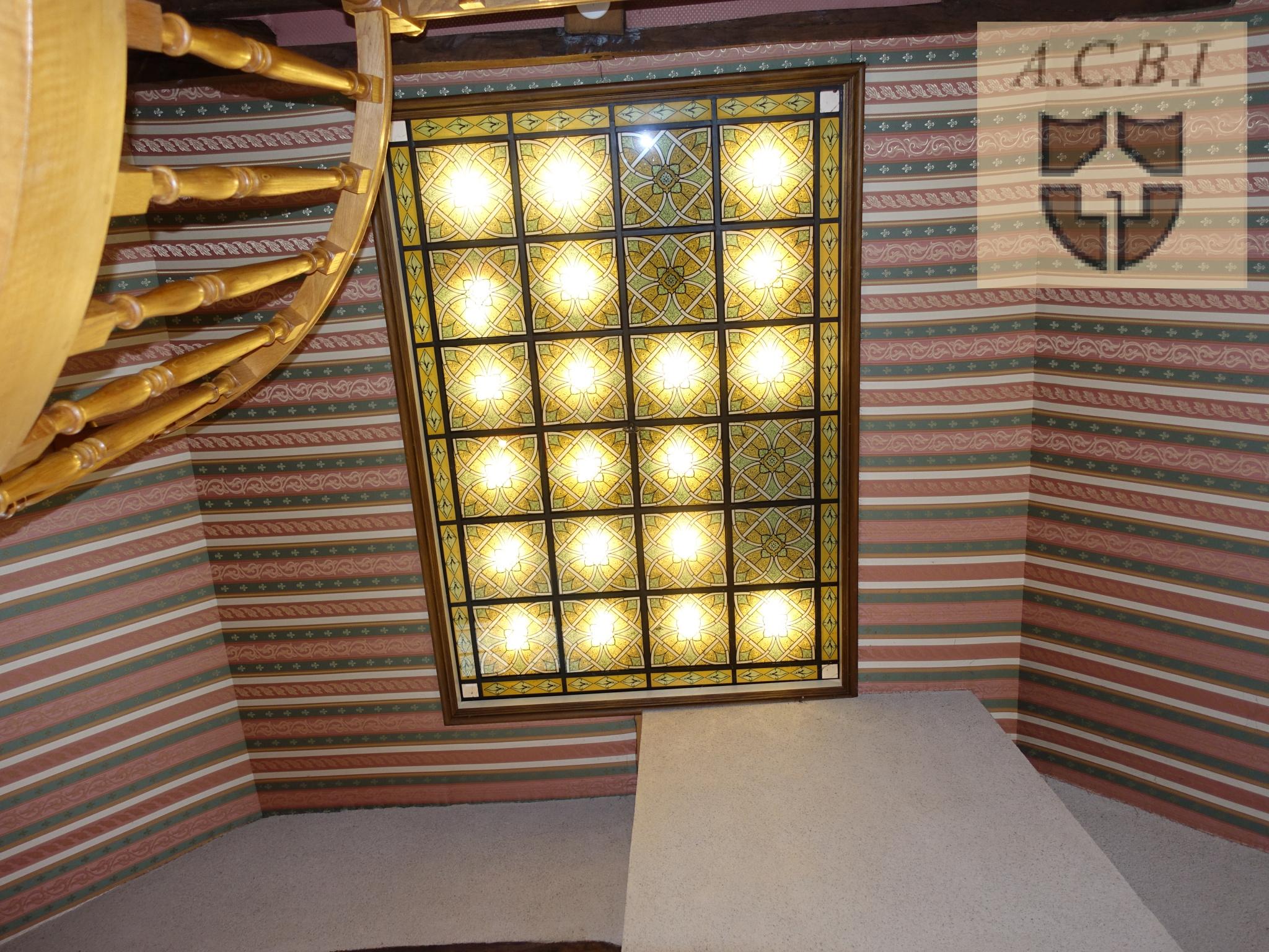 vitrail au plafond