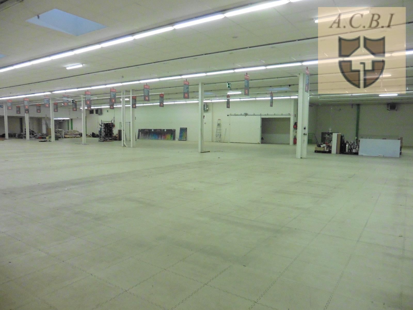 Location local commercial vendome centre magasin entrepot bureaux