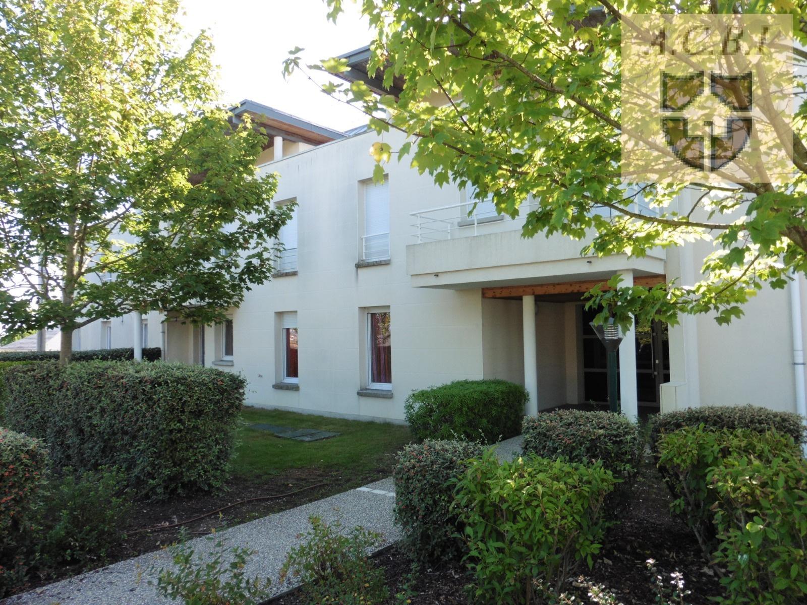 Construction De La Piscine De Vendome vendome - bel appartement type t3 dans residence avec piscine
